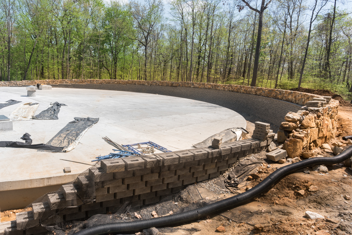 The new water reservoir is making progress and will soon be completed!